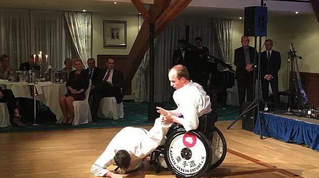 Karate-Vorführung für Mario Hochberg