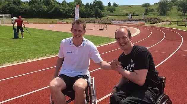 Mit Frank Busemann gemeinsam im Rollstuhl zum goldenen Sportabzeichen des DOSB
